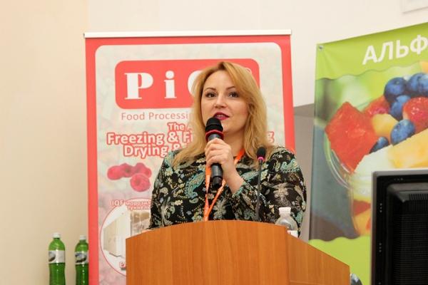 ukraine-conference-berries-14DDEDBE57-2D62-4E79-7A19-B9555176687D.jpg